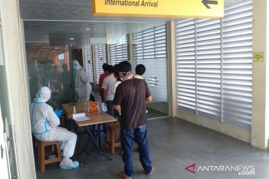 Ratusan pekerja dipulangkan dari Malaysia terinfeksi COVID-19