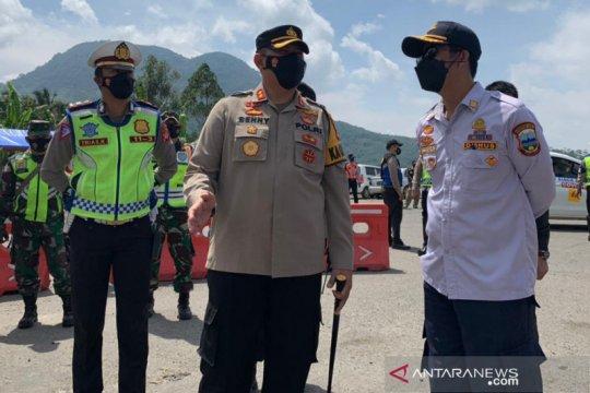 Polisi berlakukan tes usap bagi pengendara masuk Garut