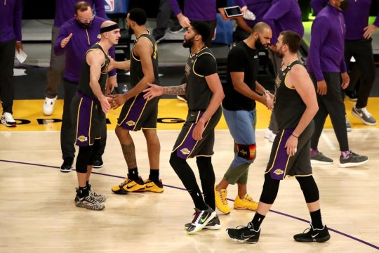 Jazz hentikan Spurs, Lakers menang tanpa LeBron James