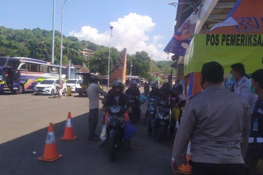 Penumpang tujuan Bali-NTB mulai meningkat di Pelabuhan Padangbai