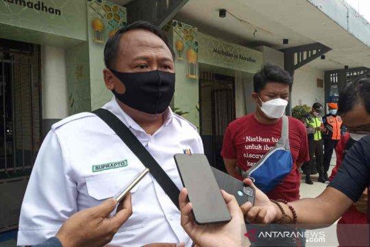 Kedatangan dan keberangkatan penumpang KA di Cirebon masih normal