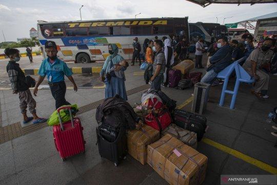 Terminal Pulogebang catat lonjakan pemudik pada Selasa (4/5)