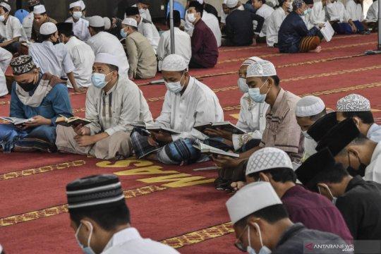 Iktikaf santri saat  Ramadhan