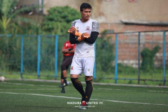 Kiper Madura FC Ridho Jazuli rayakan Lebaran di kampung halaman