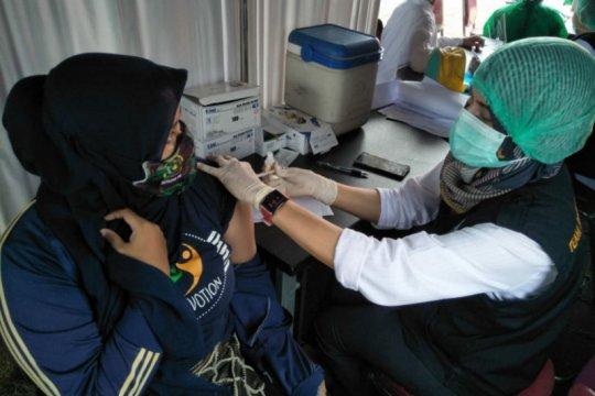 Pemprov Jabar tingkatkan vaksinasi di daerah padat penduduk