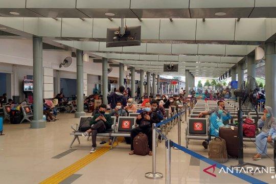 Pemudik yang kembali ke Jakarta Timur diimbau isolasi mandiri