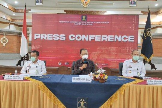 Warga Rusia yang viral lukis masker di wajah dideportasi dari Bali