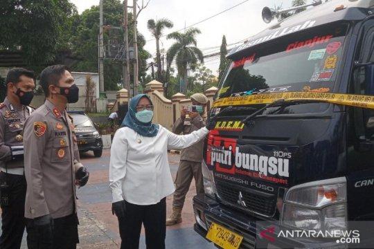 Satgas COVID-19 Bogor amankan kendaraan travel gelap angkut pemudik
