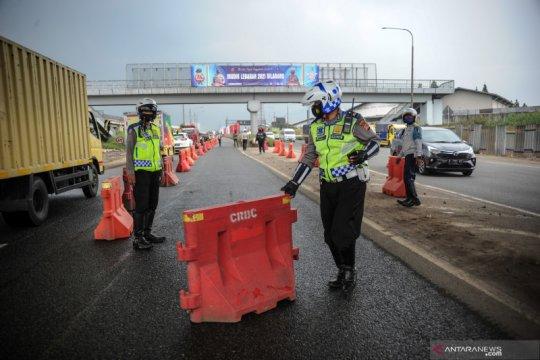 Cek Fakta: Jalan ditutup seng untuk larang mudik?