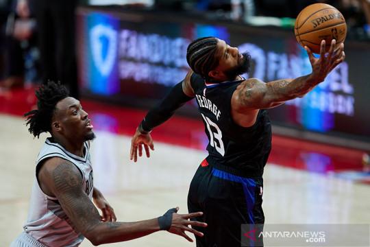 Clippers bangkit untuk tundukkan Raptors 105-100