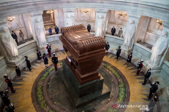 Peringatan 200 tahun kematian Napoleon Bonaparte