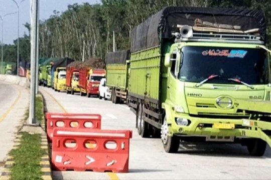 Kendaraan pribadi diputar balik di Gerbang Tol Simpang Pematang Mesuji