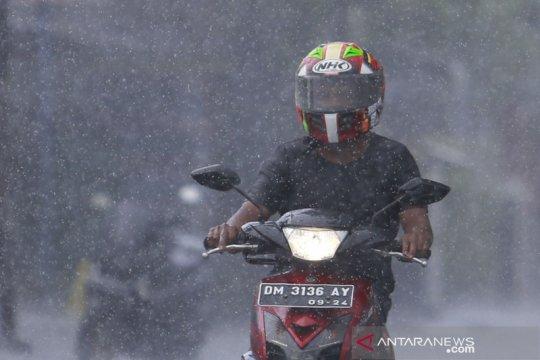 BMKG prakirakan potensi hujan lebat di beberapa wilayah Indonesia