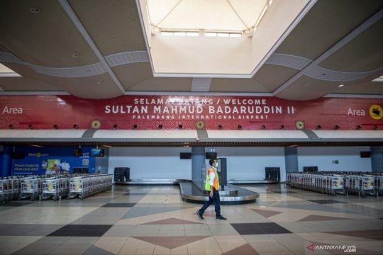 Masa larangan mudik telah dimulai, Bandara Sultan Mahmud Badaruddin II di Palembang sepi penumpang