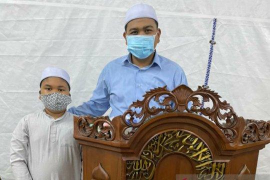 Duet manis di tenda masjid saat Ramadhan