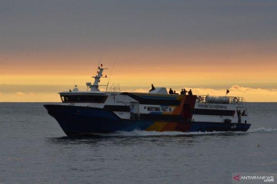 Kapal penyeberangan ke Mentawai tetap beroperasi