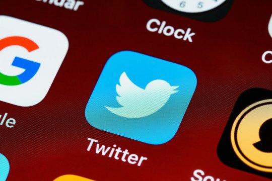 Cegah kanker ovarium sejak dini hingga fitur verifikasi Twitter dijeda