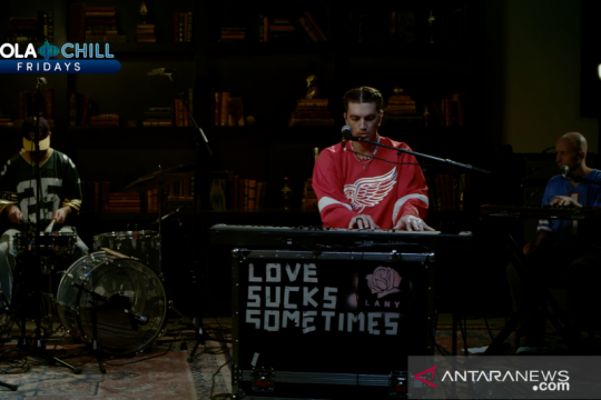 LANY obati kerinduan fans, bawakan lagu dari album baru