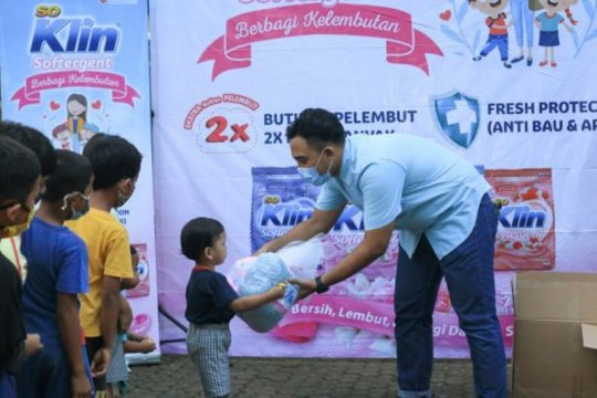 Pelukan lembut untuk anak-anak jalanan jelang lebaran