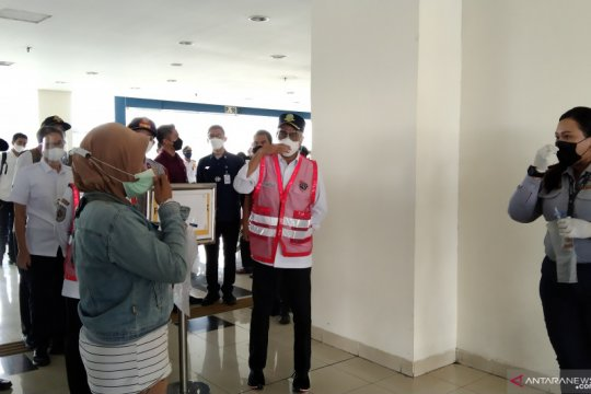 Menhub: Kasus COVID-19 di negara tetangga lebih parah dari Indonesia