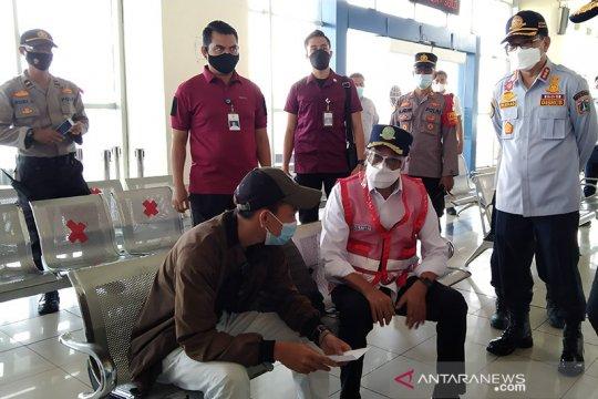 Terminal Pulo Gebang tolak 11 calon penumpang di masa larangan mudik
