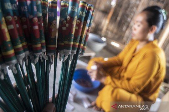Produksi petasan di Indramayu