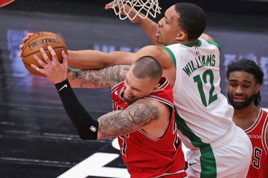Triple-double Nikola Vucevic dorong Bulls taklukkan Celtics