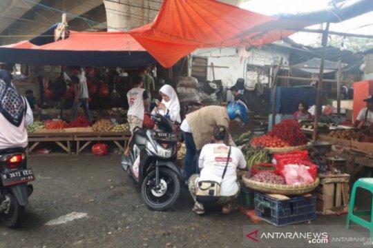 Harga bahan pokok di Depok masih stabil