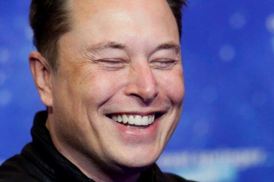 Elon Musk tampil di SNL dorong bisnisnya dan NBCUniversal