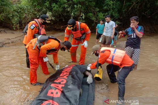 Warga terseret arus sungai di Bombana ditemukan meninggal