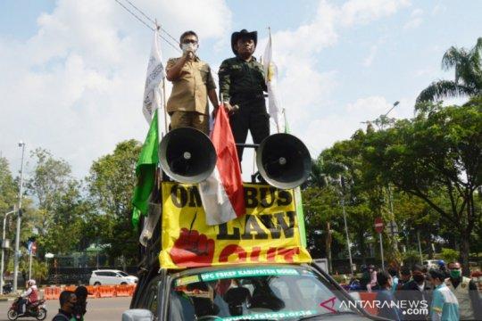 Disnaker Bogor catat ada enam perusahaan mengangsur THR