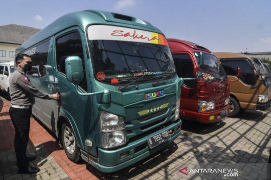 32 mobil travel gelap diamankan Polres Metro Bekasi