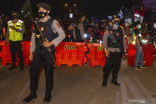 Ribuan orang jalani sanksi sosial di Sumbar karena langgar prokes