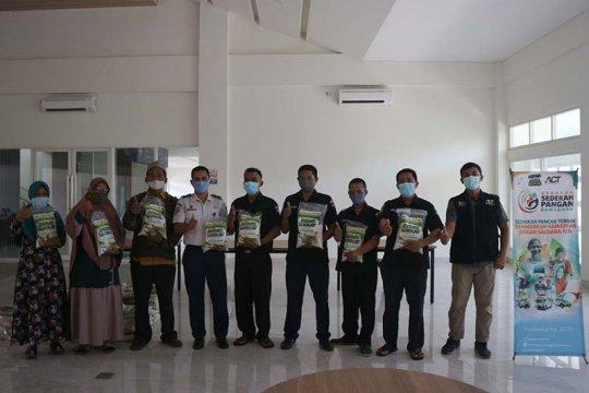 ACT Purwokerto salurkan bantuan warga terdampak larangan mudik