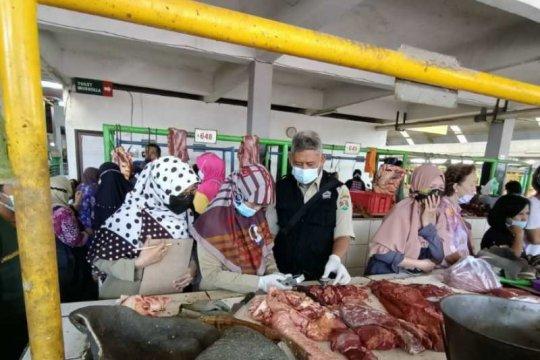 Saat sidak, Disperpa Kota Magelang temukan daging busuk dijual di pasar