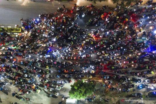 Sekitar dua juta orang keluar-masuk Jakarta saat pelarangan mudik