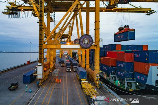 Layanan pelabuhan Pelindo III tetap buka selama libur Idul Fitri