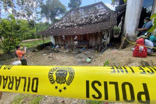 Warga sekitar lokasi ledakan sempat bungkam terhadap polisi