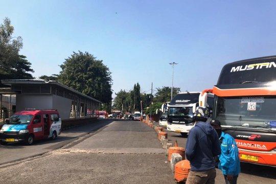 Hari ke-6 larangan mudik, Terminal Kalideres berangkatkan 2 penumpang