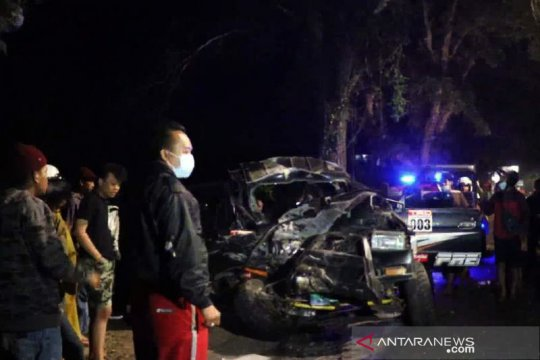 Tabrakan Kijang lawan bus di Temanggung renggut dua korban meninggal