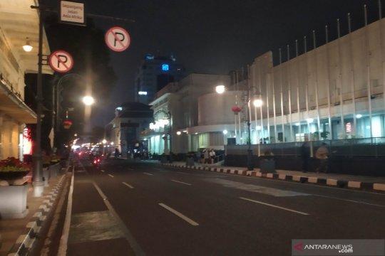 Sejumlah jalan raya di Bandung mulai ditutup pada malam Idul Fitri