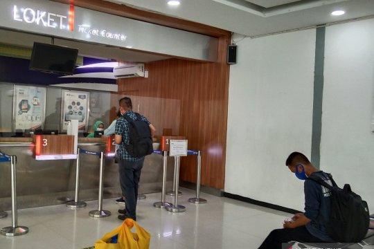 "Penumpang Stasiun Pasar Senen ""refund"" tiket karena batal berangkat"