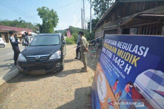 Cara unik Dirlantas pastikan penyekatan perbatasan Sumatera Barat