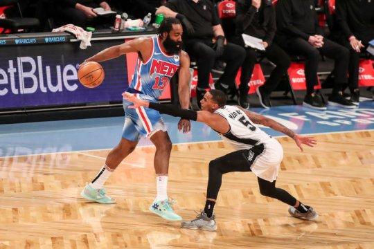 James Harden kembali, Nets sukses kalahkan Spurs
