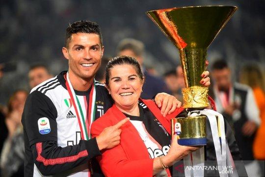 Ibunda Cristiano Ronaldo bujuk sang megabintang pulang ke Sporting