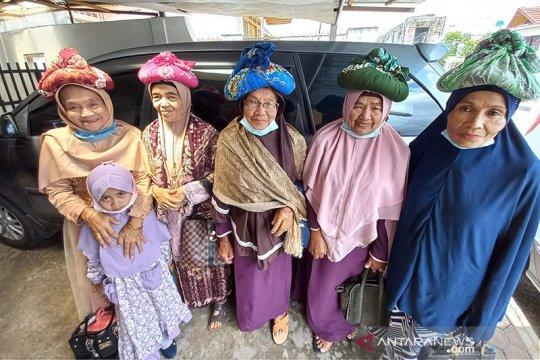 "Masyarakat Kurai Bukittinggi tetap jaga tradisi ""Barayo"" saat pandemi"