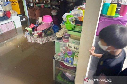 Sampit dikepung banjir saat Lebaran hari pertama
