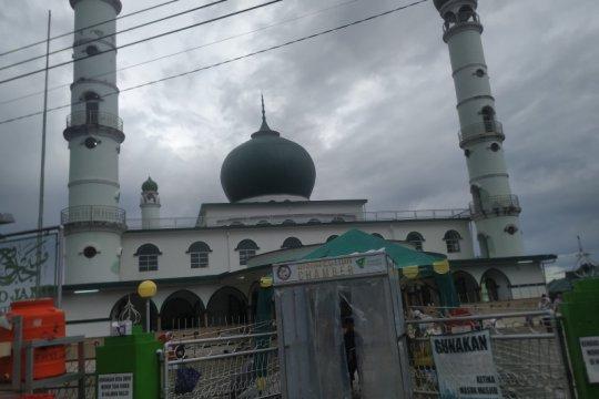 Tekan penularan, Masjid Jami