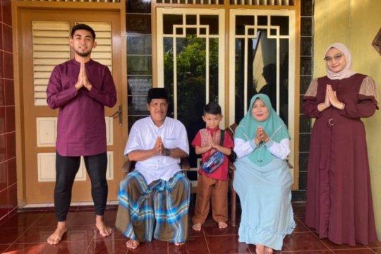 Pemain PSS Arsyad rayakan Lebaran dengan pesta ketupat