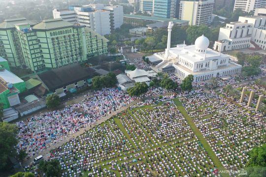 Shalat Idul Fitri di Masjid Al Azhar Jakarta